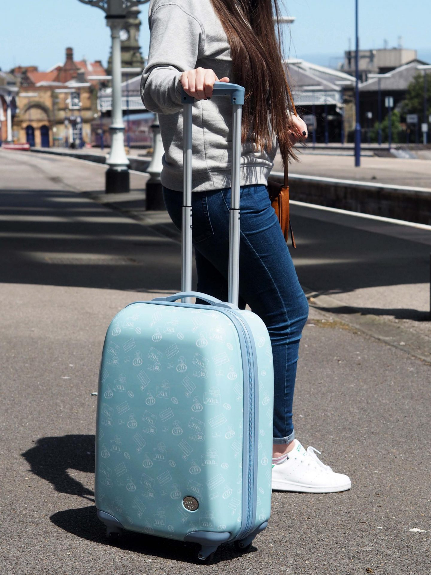 Tips for packing Hand Luggage only, House of Fraser Suitcase - Rachel Nicole UK Blogger