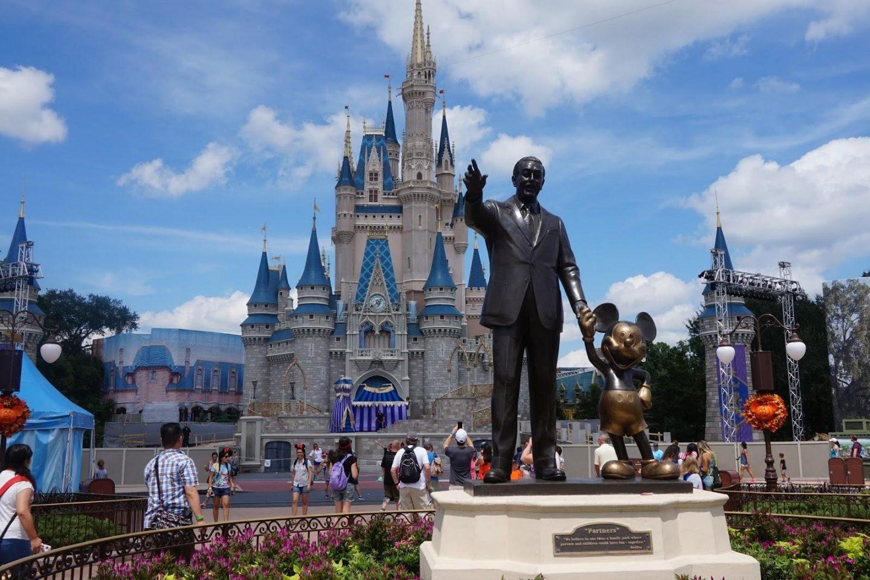 Disney Parks around the world, which Disney Park is for you? Disneyland Paris - Rachel Nicole UK Blogger