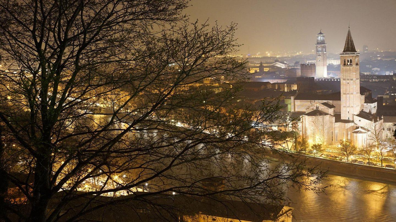 Night in Verona, Italy - Rachel Nicole UK Travel Blogger