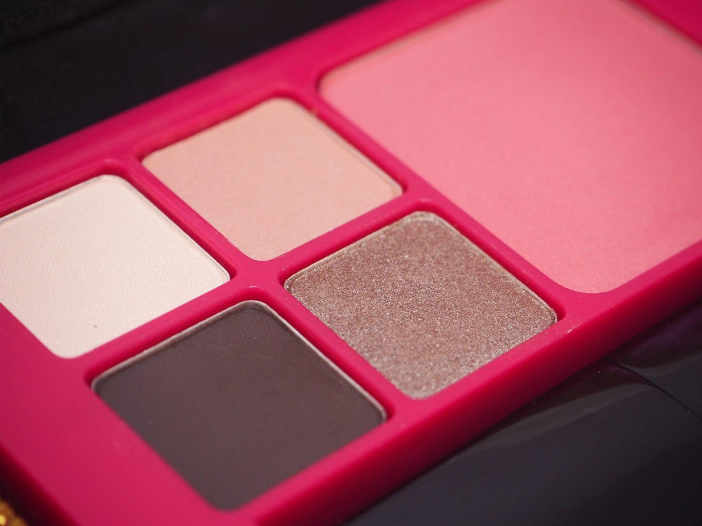 estee-lauder-pink-perfection-colour-collection-for-bca-breast-cancer-awareness-rachel-nicole-uk-beauty-blogger-1