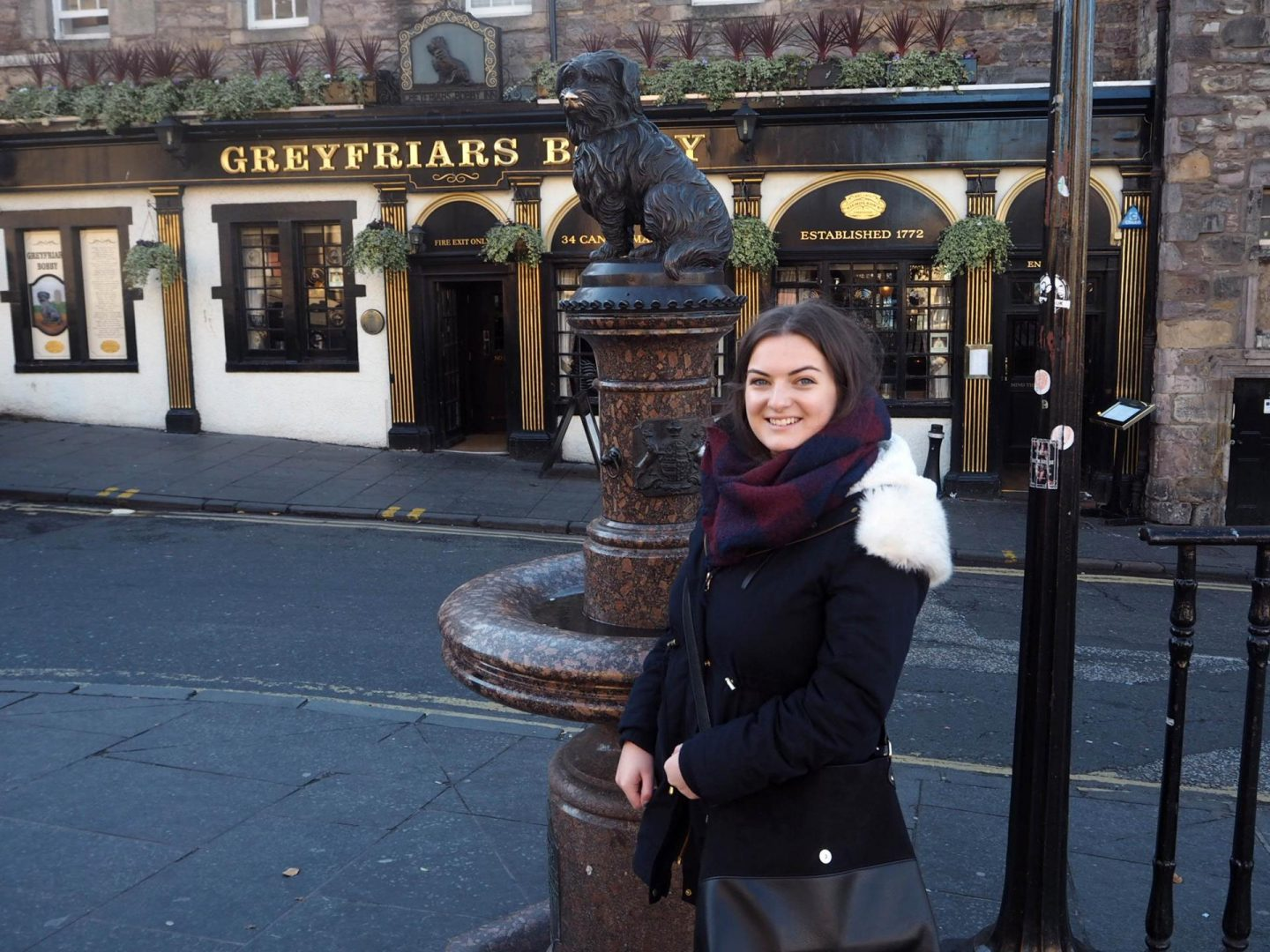 edinburgh-in-32-hours-greyfriarss-bobby-rachel-nicole-uk-travel-blogger