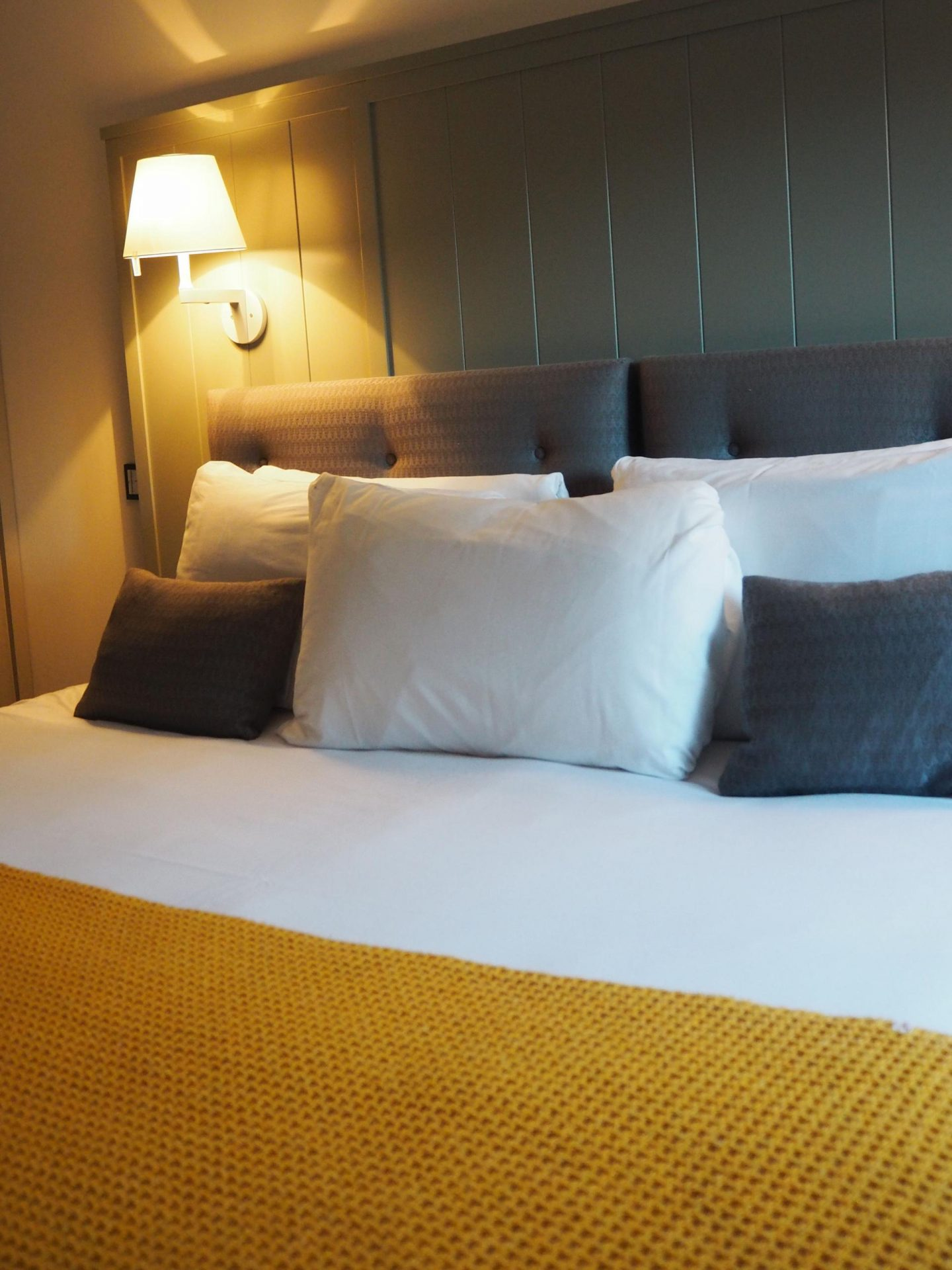 stylish-stay-at-old-town-chambers-serviced-apartments-rachel-nicole-uk-travel-blogger-2