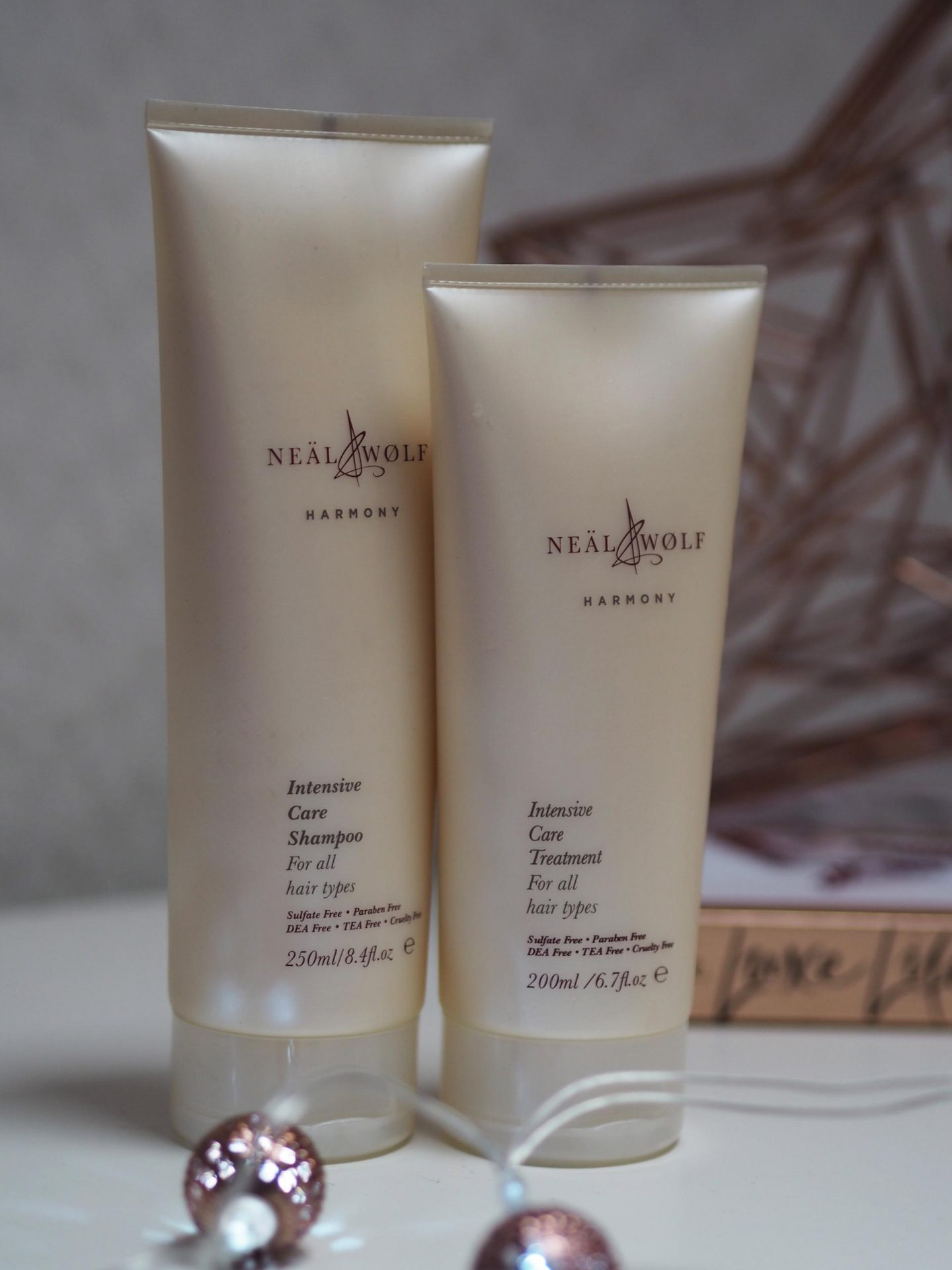 Neal & Wolf Christmas Hair care Gift Sets