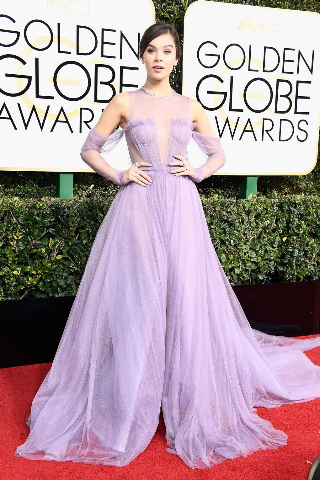 The Best Dressed from Golden Globe Awards - Hailee Steinfeld