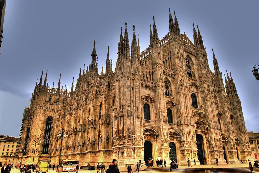 Milan Duomo Cathedral, Bucket List - Rachel Nicole UK Blogger