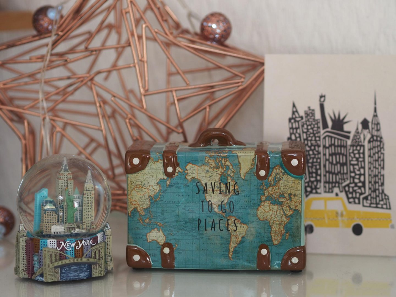 Saving Money for Travels in 2020 - Rachel Nicole UK Blogger