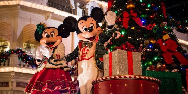 Christmas at Walt Disney World – My Travel Bucket list