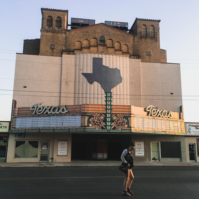 Abandoned Texas Theatre, Downtown San Angelo - Rachel Nicole UK Travel Blogger