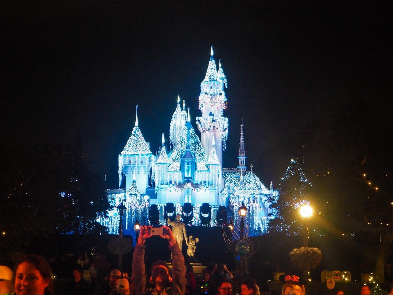 Disneyland California Castle - Rachel Nicole UK Blogger