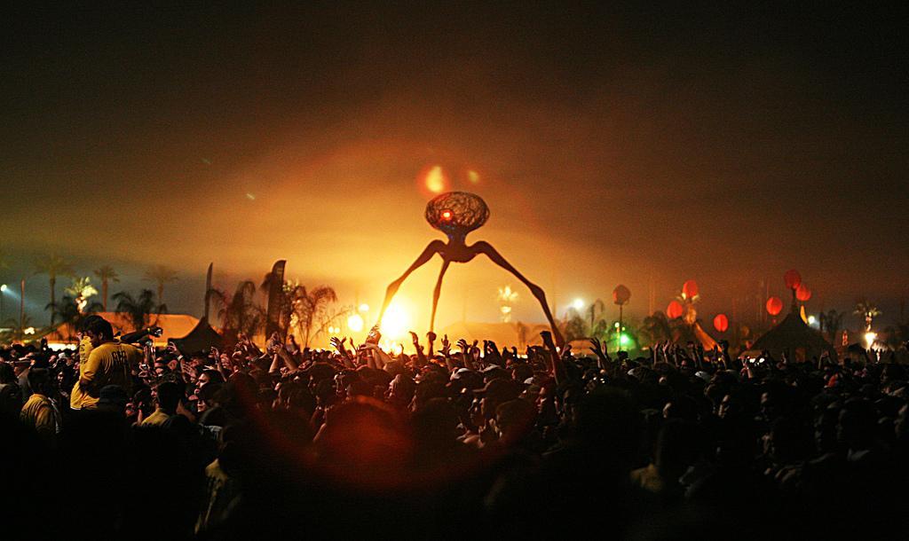 8 Unique Festivals To Add To Your Bucket list, Coachella - Rachel Nicole UK Travel Blogger