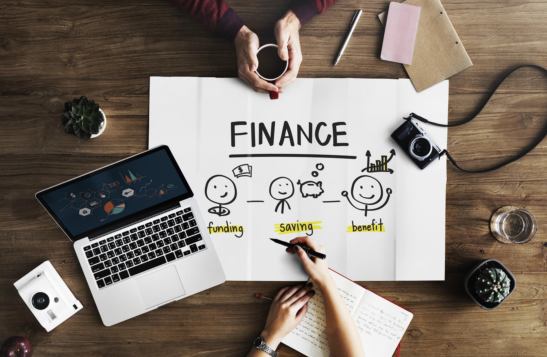 How Can I Better Manage My Online Spending? - Rachel Nicole UK Blogger