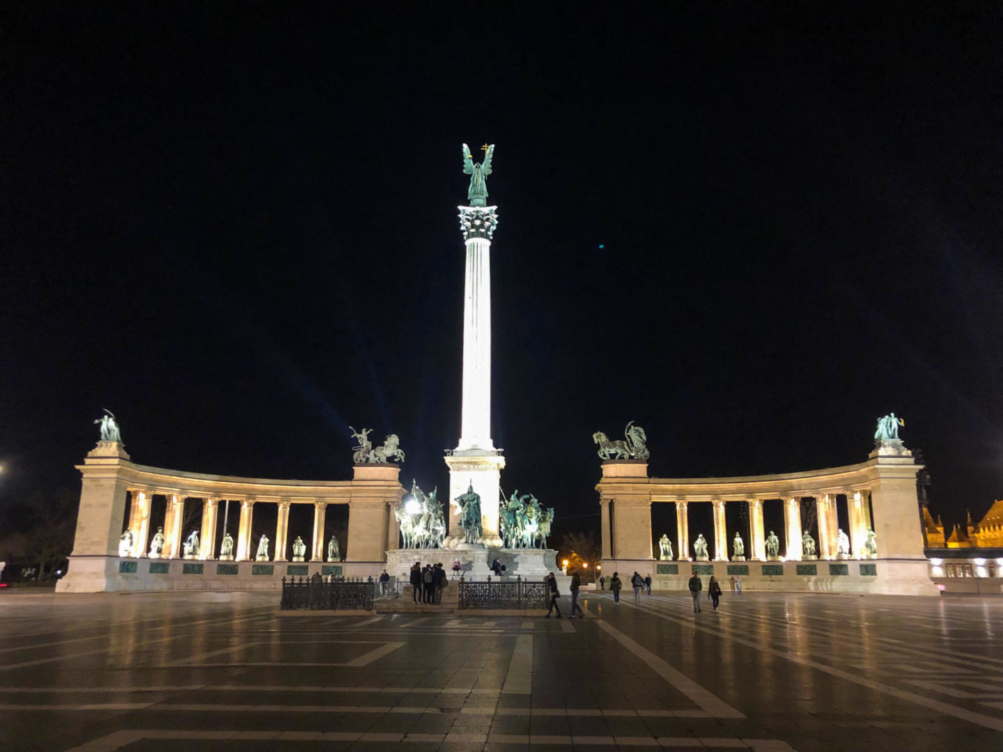 Four Days in Budapest, Heroes Square - Rachel Nicole UK Blogger